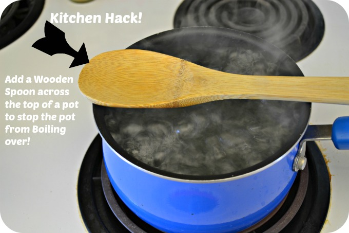 Kitchen Hack : How To Stop a Pot from Boiling Over