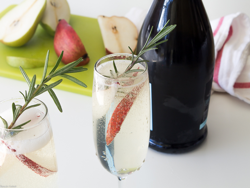 Relax with these five Sparkling Brunch Cocktails for Easter this year. These cocktails are a refreshing collection of drinks made with seasonal fruit, and just enough bubbly to make your guests smile.