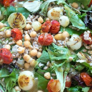This is a light lunch salad made with baby kale, baby lettuce, farro and chickpeas. The dressing is a simple maple syrup vinaigrette that takes only 5 min