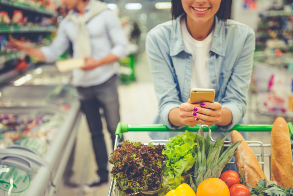 Learn the truth about saving money on your grocery bill. You must read these life altering best supermarket shopping tips! Try these tips right now to actually save you money.