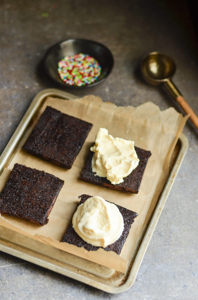 A new way to eat brownies à la mode, anyone? These simple Brownie Ice Cream Sandwiches are sure to become your new favorite summertime dessert!