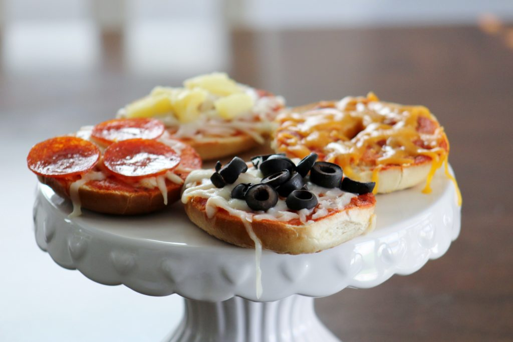 DIY Pizza Bagels
