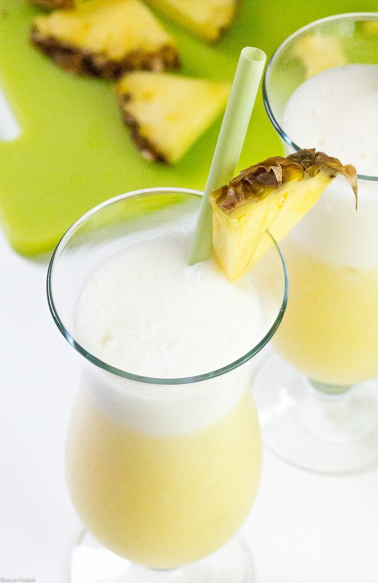 This weekend enjoy these five impressive Clean Cocktail Recipes made with fresh, healthful ingredients you can be sure won't ruin your clean eating habits.