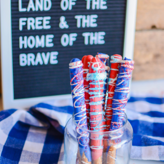 Patriotic Candy Dipped Pretzels