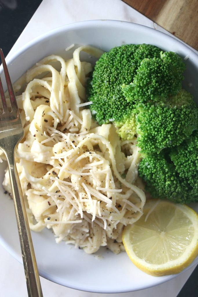 This Vegan Cauliflower Fettuccine Alfredo recipe is comfort food without the guilt. A non-dairy healthier classic with 10 ingredients ready in 30 minutes!