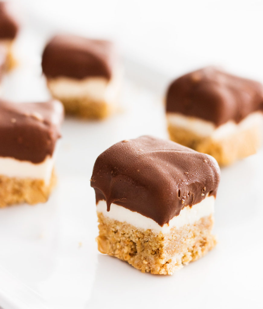 Bite Size Cheese Cake: Chocolate Covered Mini No-Bake Cheesecake Bites
