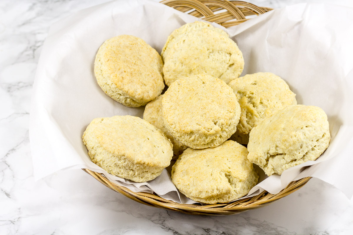 Love fluffy, homemade biscuits, but don't think you have the time to make them? Think again because this 30-Minute Homemade Southern Biscuits recipe is here to help!