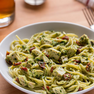 5-Ingredient Chicken Pesto Pasta