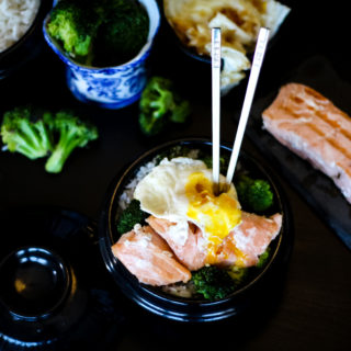5-Ingredient Salmon Broccoli Bowl