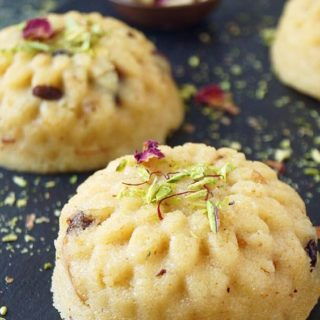 Indian Semolina Pudding {Rava Sheera}
