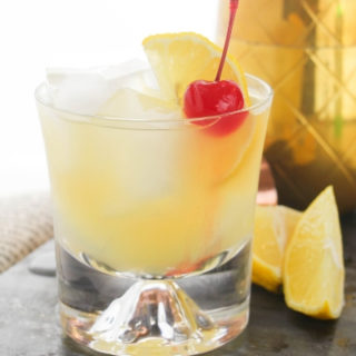 How to Make a Classic Whiskey Sour