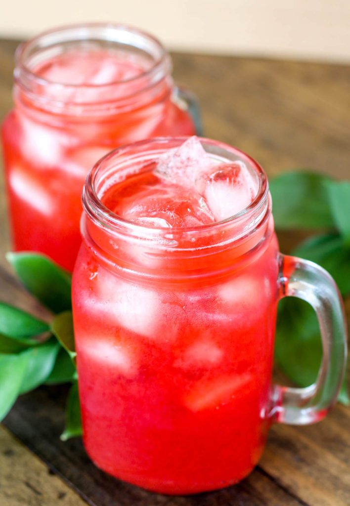 Homemade Raspberry Sweet Tea