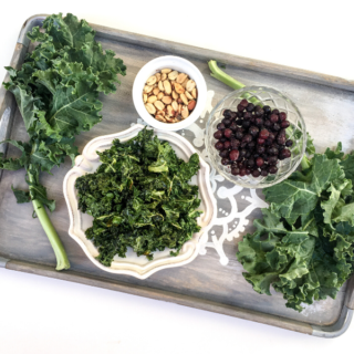 Craving something salty and satisfying? Don't reach for that greasy bag of chips! Did you know you could make 5-Minute Microwave Kale Chips? A healthy snack that's the perfect combo of crispy, salty, and satisfying!
